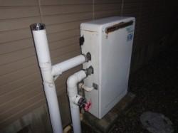 ガス給湯器隣接設置
