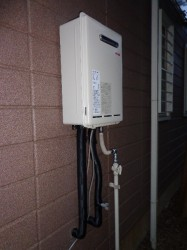リンナイ製ガス給湯器RUX-A1011W-E