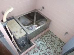 既存浴室内